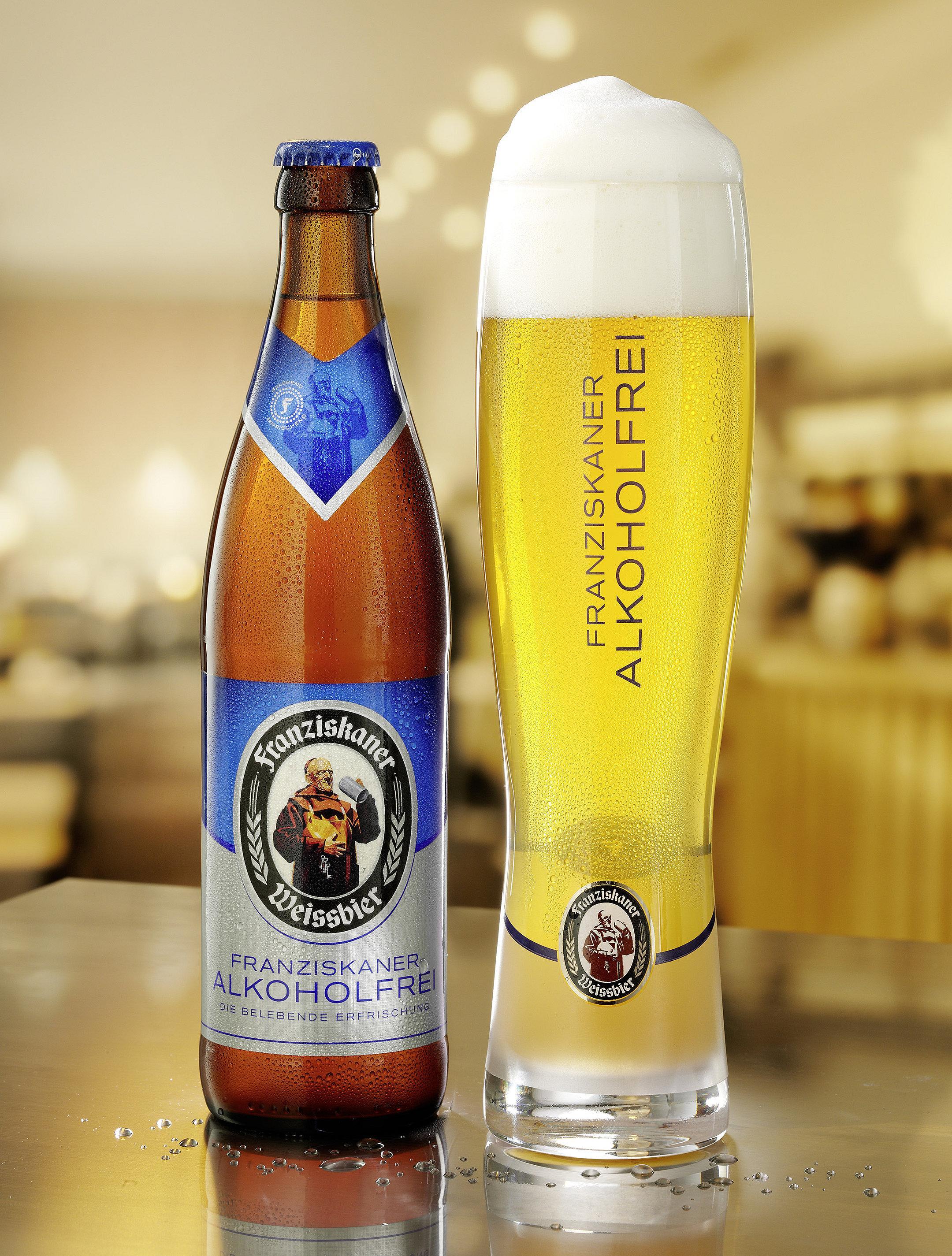 Franziskaner alkohohlfrei Glas und Flasche