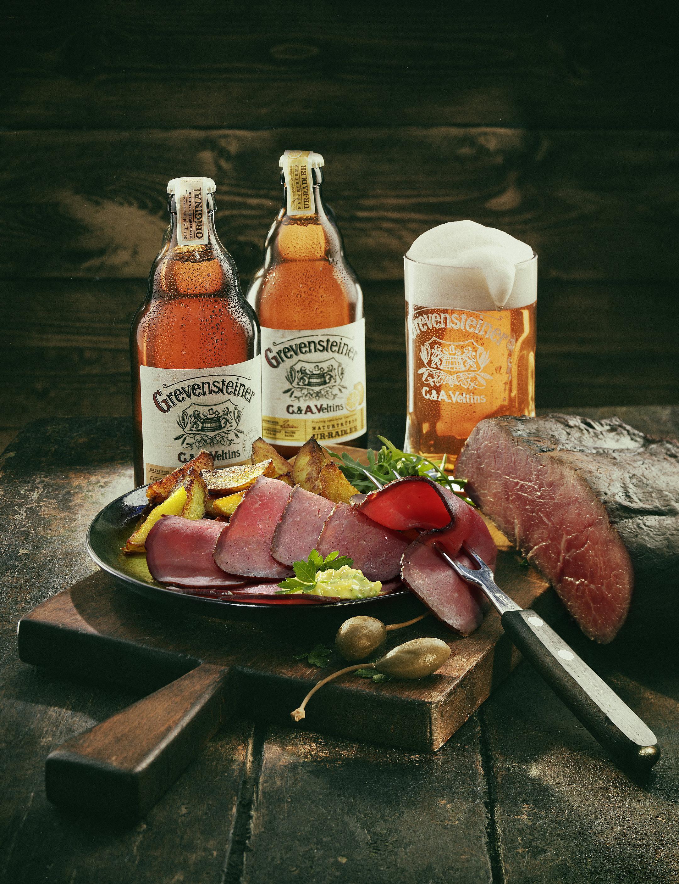 Grevensteiner Bierflaschen mit Roastbeef